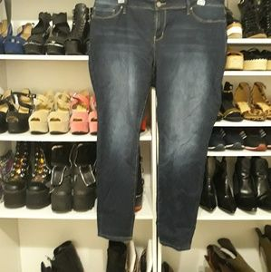 Forever21 skinny Jeans 22w